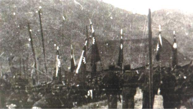 國共兩派為了爭取戰俘,通過國際勢力,最後聯合國採取按照戰俘本人意願的折衷方案。