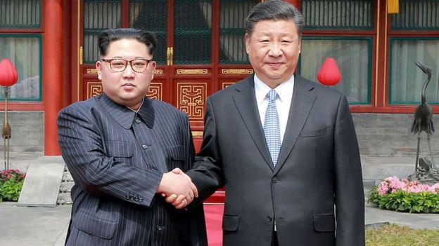 வடகொரிய தலைவர் கிம் மற்றும் சீன அதிபர் ஷி ஜின்பிங்