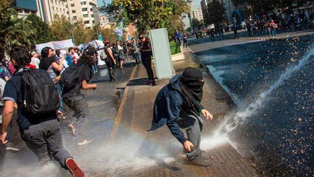 Protestas por educación universitaria gratuita en Chile (crédito: Getty Images)