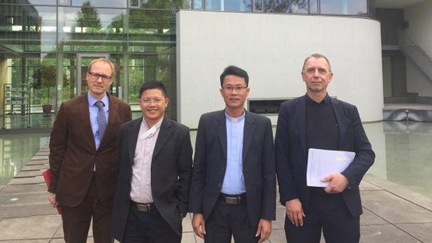 Một số linh mục từ miền Trung Việt Nam đã có vòng công du vận động tại châu Âu