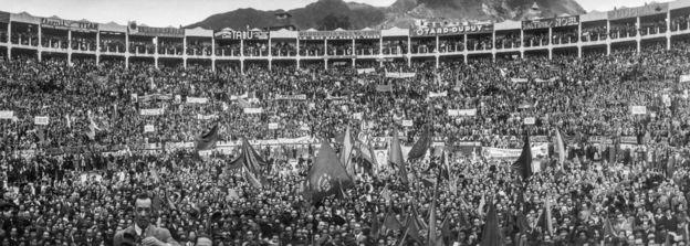 Multitudes en la plaza de toros