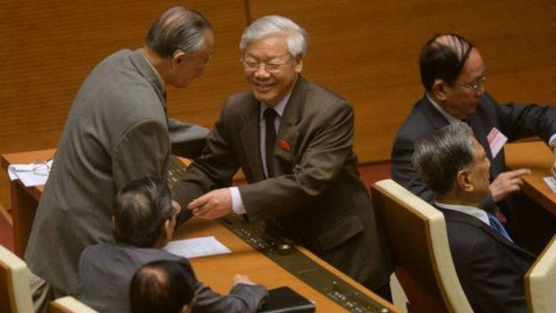 Giáo sư Tương Lai nhắc đến tên Tổng Bí thư Nguyễn Phú Trọng trong tuyên bố từ bỏ Đảng của mình.