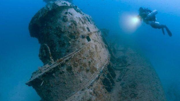 Torre del submarino británico HMS Stubborn, hundido cerca de Malta hace más de medio siglo. Foto: Steve Jones/millionfish.com