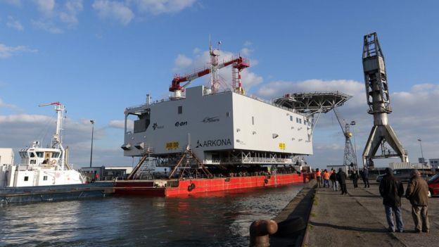 Windfarm substation leaving Saint Nazaire port