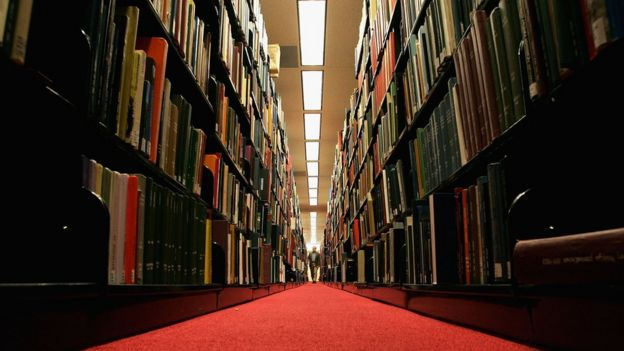 pasillos de la Universidad de Stanford