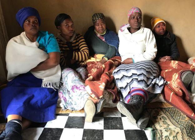 Parientes de Zanele Hlatshwayo