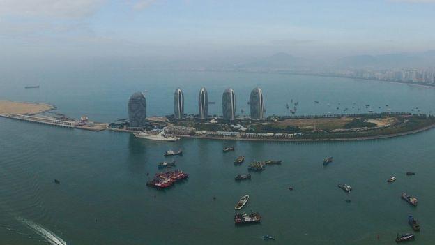 Ảnh khu Tam Á, đảo Hải Nam chụp từ drone của Tân Hoa Xã