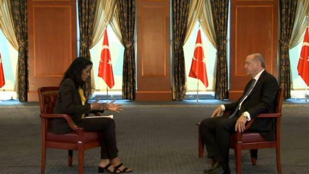 Sunucu Zeinab Badawi ve Cumhurbaşkanı Erdoğan