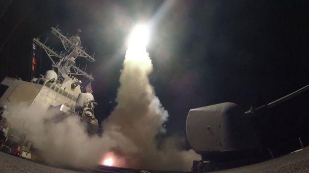 在1991年的海灣戰爭中,第七艦隊上打頭陣發射戰斧式導彈
