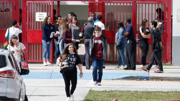 Escuela secundaria Marjory Stoneman Douglas de Florida.