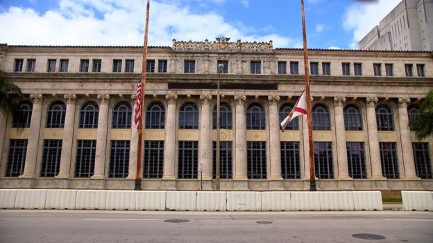 Edificio de Tribunales de Miami (ahora cerrado).