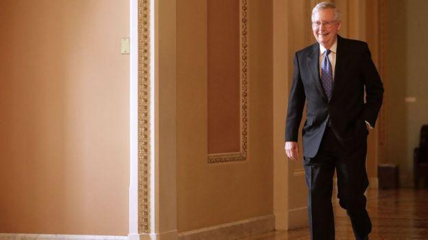 Líder da maioria no senado, Mitch McConnell