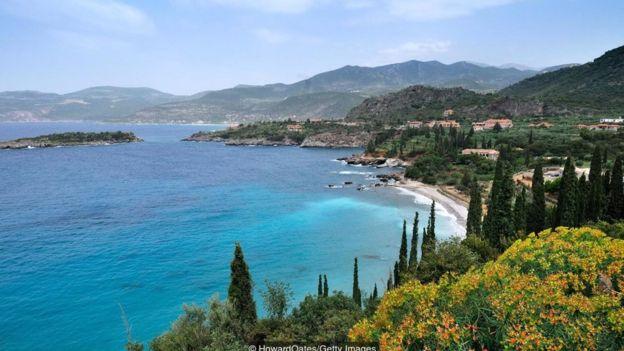 Bán đảo Mani nhô ra biển Ionian từ Peloponnese.
