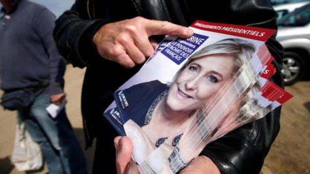 Marine Le Pen giành được ủng hộ từ những người bất mãn với EU.