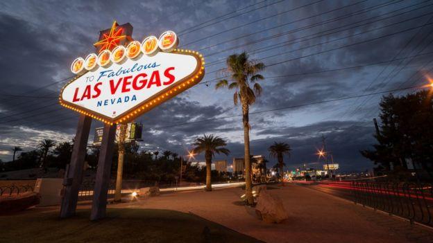 La calle más famosa de Las Vegas con el mítico letrero