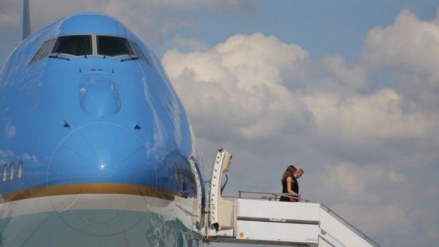 Bay ve Bayan Trump Hamburg'a gelirler