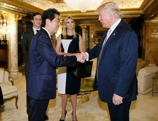 Ivanka Trump alihudhuria mkutano kati ya waziri mkuu wa Japan Shinzo Abe na Bw Trump siku chache baada ya Bw Trump kushinda uchaguzi