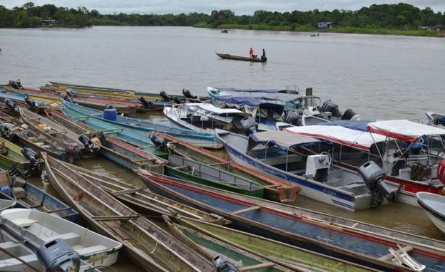 Barcos em Quibdo