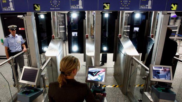 Inmigración electrónica en el aeropuerto de Frankfurt