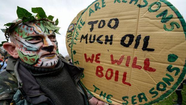 cop21 thousands join london climate change march bbc news