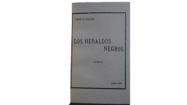 Interior del libro de poemas Los Heraldos Negros, de César Vallejo