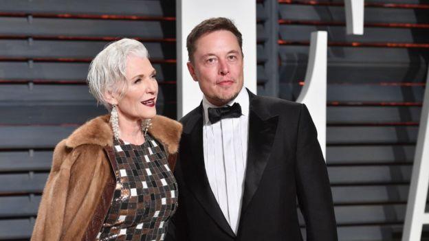 Maye Musk e seu filho Elon Musk