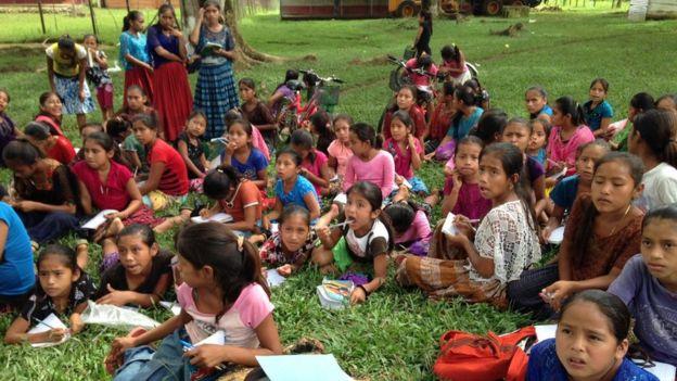 Un grupo de niñas indígenas (Foto cortesía: Vilma Chón)