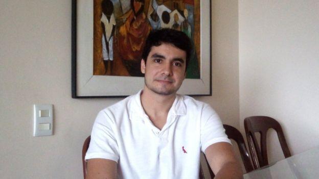 Ricardo Felicio em sua casa