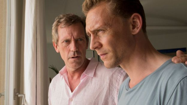 Hugh Laurie na Tom Hiddleston katika The Night Manager