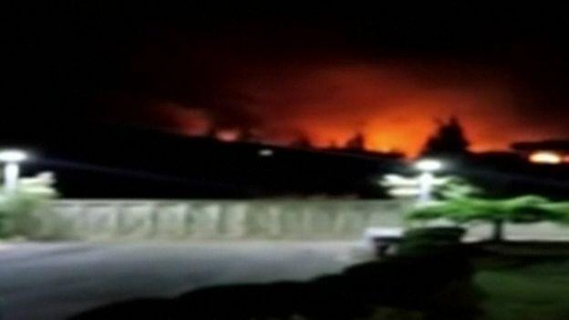 Imágenes de la televisión siria mostrando la supuesta intercepción de misiles israelíes.