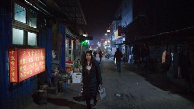 北京吸引了許多沒有北京戶口的人前來打工。