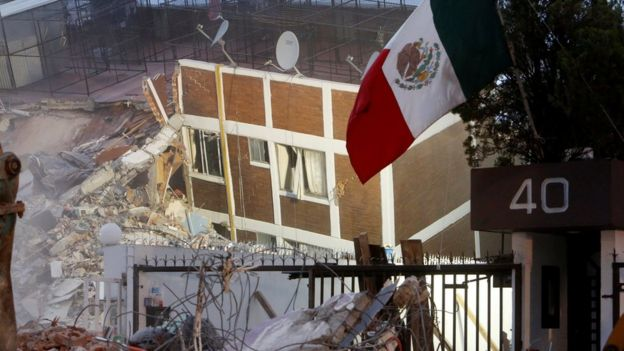 Prédio que colapsou na Cidade do México