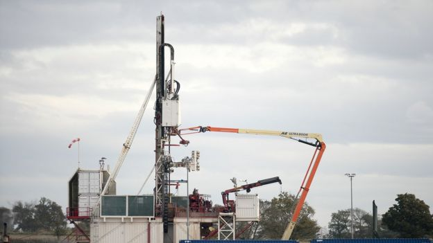 Workmen construct Cuadrilla's shale gas fracking drilling rig near Westby, Blackpool