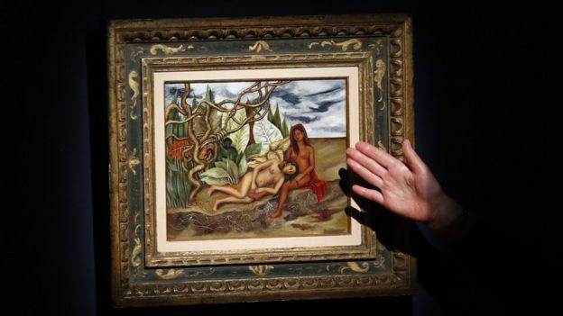 """Un especialista en arte habla sobre la obra """"Dos desnudos en el bosque"""" de Frida Kahlo."""