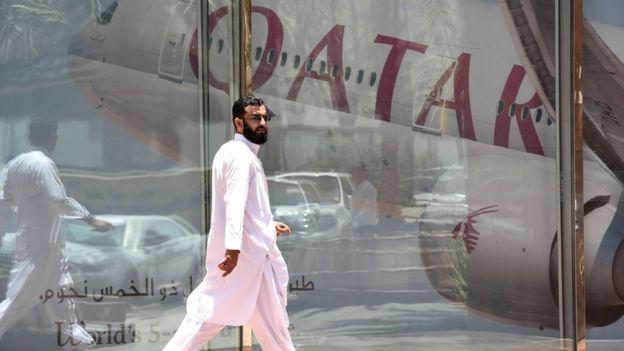 Arabia Saudita y otros cinco países árabes cortaron relaciones diplomáticas con Qatar.