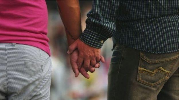 GROSSE QUEUE DE GAY BITE MEC GAY