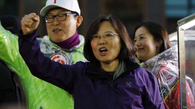 台灣自從解嚴後,已經開放民主選舉,可選出自己的領導人。