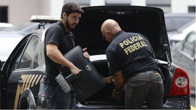 Agentes da PF
