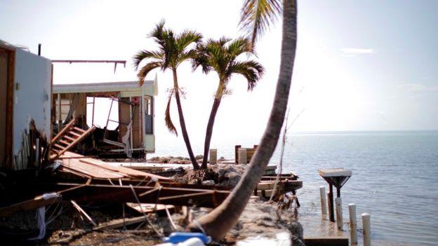 Una casa destruida en Plantation Key