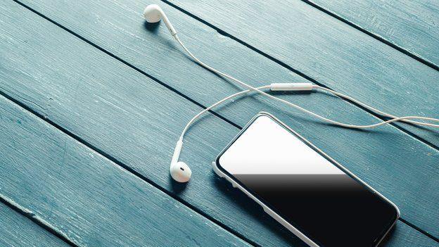 Teléfono y auriculares