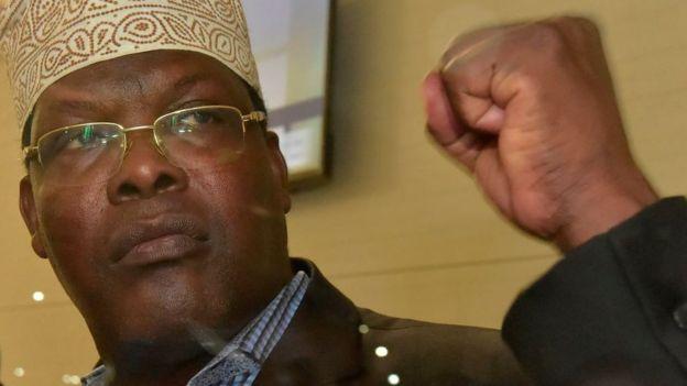 Miguna Miguna amekesha katika uwanja wa ndege wa kimataifa Jomo Kenyatta kwa siku ya pili