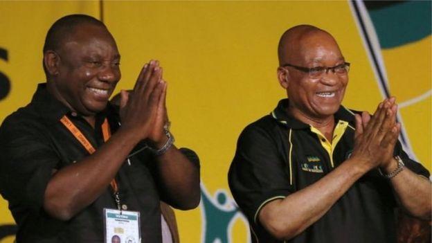 Cyril Ramaphosa (à gauche), vice-président de l'Afrique du Sud, est le cendidat de l'ANC pour la succession de Jacob Zuma.