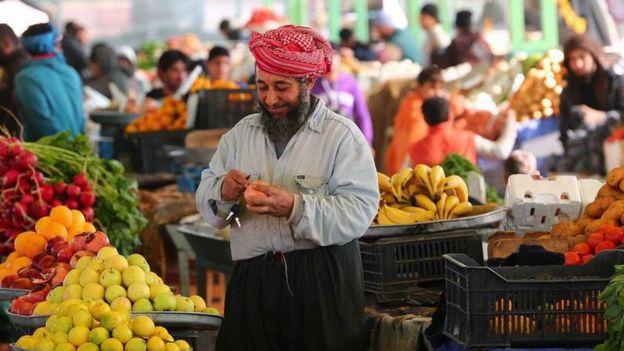 Мужчина на рынке, пропаганда ИГ