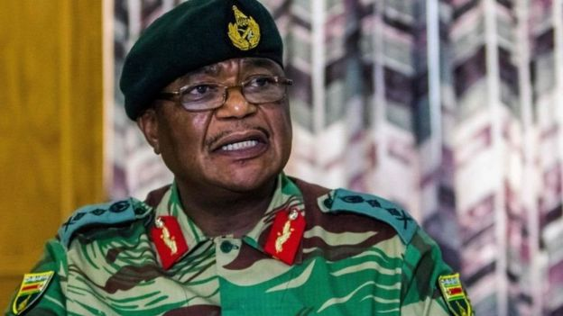 Mkuu wa jeshi la Zimbabwe Constantino Chiwenga alitahadharisha uwezekano wa jeshi kuchukua nchi