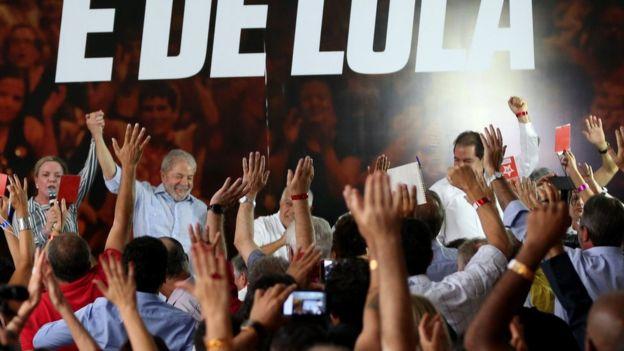 Luiz Inácio Lula da Silva en una reunión con el Partido de los Trabajadores en Sao Paulo.