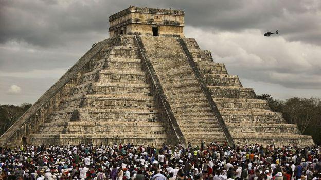 Chichen Itzá durante la celebración del equinoccio de primavera en el estado de Yucatán