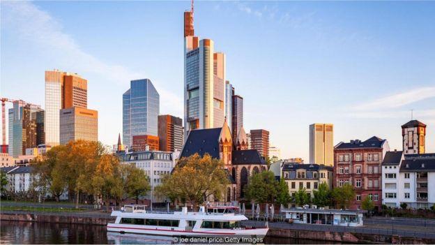 德国有多个商业中心城市,包括柏林、汉堡、法兰克福(上图)和慕尼黑
