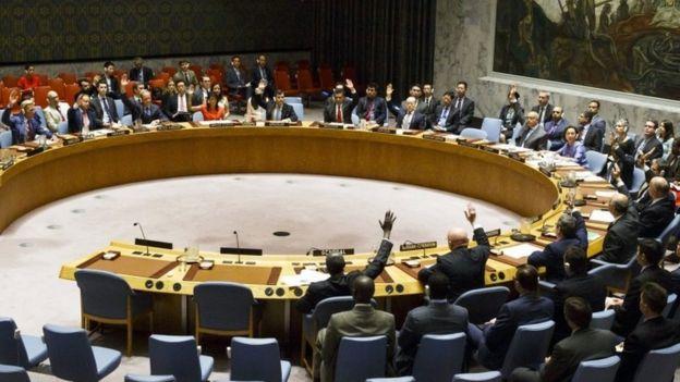 Miembros del Consejo de Seguridad de Naciones Unidas votan las sanciones contra Corea del Norte el 5 de agosto de 2017.