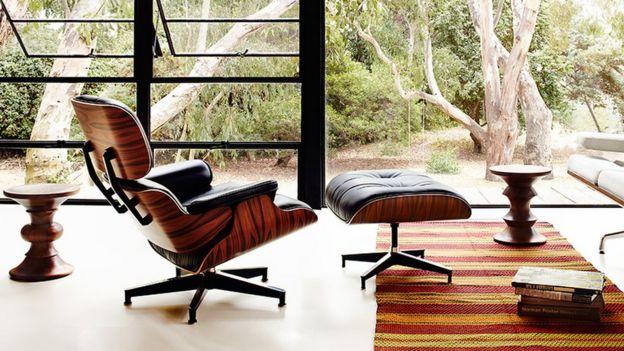Eames Loungechair the chair modelled on a baseball mitt