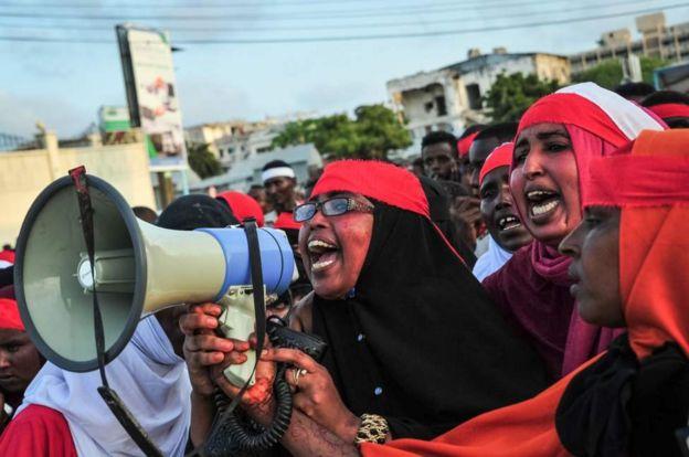 Watu waliandamana mogadishu kulaani shambulizi hilo
